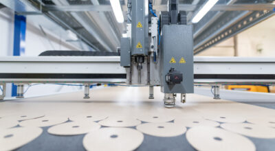 Watch how the PTFE liners for production of grinding wheels are made