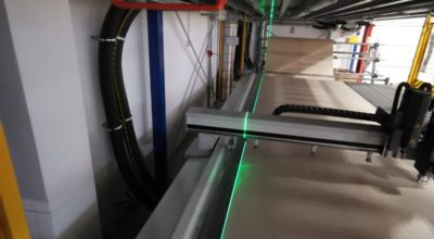 Accurate alignment of the fabric on the plotter table